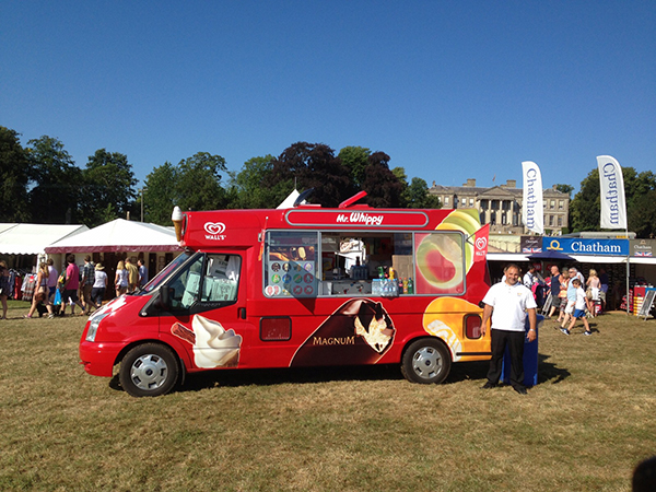 Icecream van hire for Birthday Parties, Special Occasions, Country Shows, Motorsport Events, Festivals in Scunthorpe, Grimsby, Doncaster, Hull, North Lincolnshire and Lincolnshire.